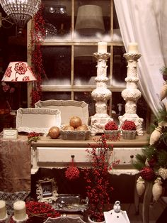 Escaparates CAPELLA Decoración Navidad 26-11-2008 2º premio de escaparate www.capelladecoracion.com