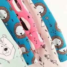 Cute batch of leggings by @ansjehandmade  #lions #hemmersitex #fabric #feathers #fabricshop #fabricdesign #textiel #textiledesign #kidsclothes #kidsfashion #kidsleggings #summer #summerfabric #illustratie #stoffe #littlesmilemakers