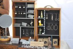 Merchandise Display http://blackilocks.hubpages.com/hub/Top-10-tips-for-AWESOME-flea-market-displays