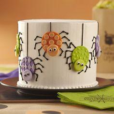 Spider Cake by @wilton #wilton #cakedecorating #spiders