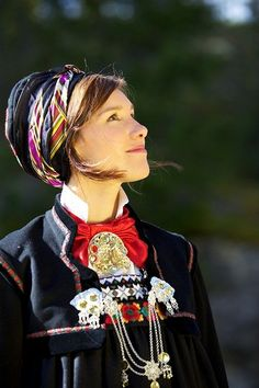 Female Head, Female Photographers, Everyday Dresses, Folk Costume, People Of The World, Ethnic Fashion, Traditional Dresses, Norway, Style Inspiration