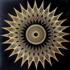 #string #stringart #symmography #starburst #circles #mandala #mandalaart #round #roundart #intheround #lovelivingintheround