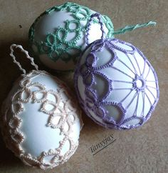 – a unique product by Tansyjay on DaWanda Christmas Bulbs, Xmas, Tatting Lace, Tatting Patterns, Egg Decorating, Easter Eggs, Sewing, Holiday Decor, Unique