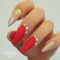 Do you want to easily find your favorite almond nails and oval nails? We have the hottest almond and oval nails for you. Enjoy these amazing nails art in your spare time! We hope to have your favorite. Ongles Bling Bling, Rhinestone Nails, Bling Nails, Ongles Roses Barbie, Barbie Pink Nails, Pink Glitter Nails, Metallic Nails, Green Nails, Ongles Roses Clairs