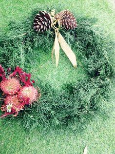 Christmas Wreath decorations Art For Sale, Christmas Wreaths, Earth, Decorations, Studio, Flowers, Plants, Red, Dekoration