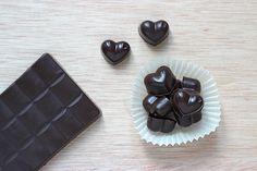 Chocolat Cru Maison - Mango and Salt Mango Salt, Gluten, Candy, Vegan, Chocolate, Cooking, Comme, Foodies, Desserts