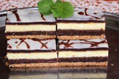 Quark Pudding Torte mit Erdbeeren und Tortenguss ohne Backen – Page 2 Czech Recipes, Ethnic Recipes, Cake Recipes, Dessert Recipes, Cheesecake, Low Carb Diet Plan, 1200 Calories, Sweets Cake, My Dessert
