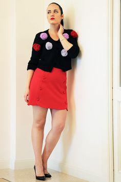 Cosa vestirsi a Natale: tacchi alti minigonna e maxi pon pon