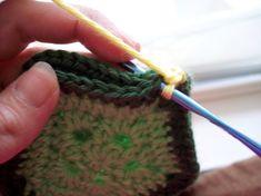 Crochet Turtle Newborn Photo Prop with Free Pattern Baby Cocoon Pattern, Crochet Baby Cocoon, Crochet Baby Hats, Crochet Purses, Crochet Beanie, Love Crochet, Crochet For Kids, Crochet Afghans, Knit Crochet