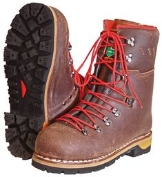 Extrémní boty... Bushcraft, Tall Boots, Shoe Boots, Mountaineering Boots, Men Hiking, Hiking Shoes, Winter Boots, Outdoor Gear, Survival