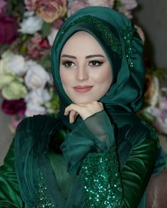I love this colour Muslimah Wedding Dress, Hijab Style Dress, Muslim Wedding Dresses, Muslim Dress, Beautiful Hijab Girl, Beautiful Blonde Girl, Beautiful Muslim Women, Bridal Hijab, Hijab Bride