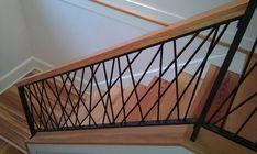 Steel Railing Design, Steel Stair Railing, Modern Stair Railing, Stair Handrail, Modern Stairs, Rebar Railing, Diy Staircase Railing, Interior Stair Railing, Iron Staircase