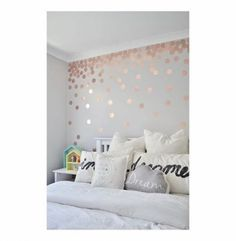 31 Beautiful Rose Gold Bedroom Design To Inspire You - Dlingoo Rose Gold Rooms, Bedroom Ideas Rose Gold, Rose Gold And Grey Bedroom, Rose Gold Bedroom Accessories, Rose Bedroom, White Bedroom, Little Girl Rooms, My New Room, Room Inspiration