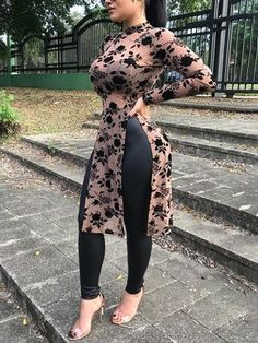 clothes for women,womens clothing,womens fashion,womans clothes outfits Curvy Women Fashion, Look Fashion, Autumn Fashion, Womens Fashion, Look Legging, Casual T Shirts, Marie, Fashion Dresses, Fashion Clothes