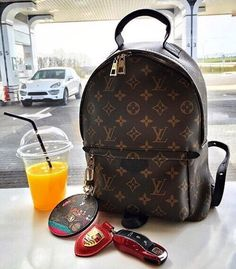 2017 Latest Louis Vuitton Handbags For Styling Tips Pay Western Union Get Discount Buy More Discount More Shop Now! 2017 Latest Louis Vuitton Handbags For Styling Tips Pay Western Union Get Discount Buy More Discount More Shop Now! Chanel Handbags, Fashion Handbags, Purses And Handbags, Fashion Bags, Womens Fashion, Tote Handbags, Fashion Purses, Fashion 2018, Fashion Trends