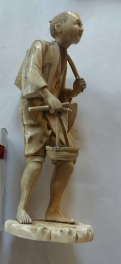 Antique high quality japanese ivory carved - call Danilo 0039 393 9404049