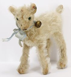STEIFF lamb, pre-war era with button.