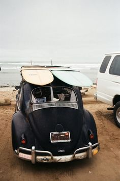 Suomessakin voi surffata. Tai sitten lainelautoja voi köyttää autoon koristeeksi. Surf is up!  http://car-rent.hawaiiactive.com