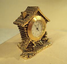 Log Cabin  Miniature Clock