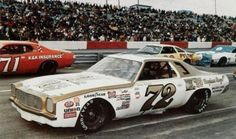 benny parsons in his Chevelle Laguna Nascar Race Cars, Old Race Cars, Chevrolet Chevelle, Chevy, Terry Labonte, Racing Stripes, Vintage Race Car, Drag Cars, Courses