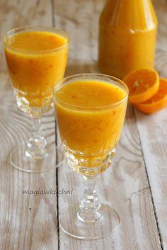 Smoothie dyniowo - pomarańczowe z kaki   http://magiawkuchni.blox.pl/2014/11/Smoothie-pomaranczowo-dyniowe.html