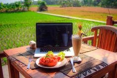 A self-professed digital nomad details how he feels more productive without a place to call home.
