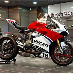 Moto Ducati, Ducati Motorbike, Ducati Scrambler, Racing Motorcycles, Motorcycle Bike, Ducati Monster, Motos Retro, Custom Sport Bikes, Bike Photography