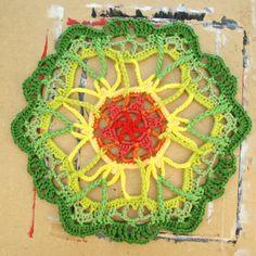 A fun, easy, and delicate free crochet mandala pattern. thanks so xox ☆ ★   https://uk.pinterest.com/peacefuldoves/