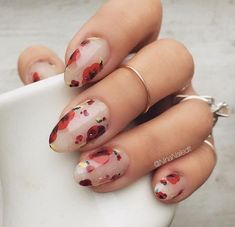 Give your nails a spin with eye-catching flower nail designs with roses. Experiment with cheery spring nail designs. Go through our nail art with roses step by step instructions here. For that extra p Nail Art Designs, Flower Nail Designs, Nails Design, Design Art, Nails With Flower Design, Design Ideas, Salon Design, Floral Designs, Cute Nails