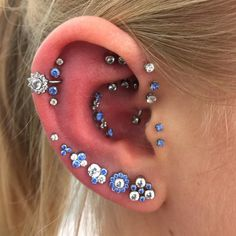 Here are Most Beautiful Ear Piercing Ideas to Copy. Hope you liked these Piercing Ideas provided in this list. Piercings Corps, Body Piercings, Pretty Ear Piercings, Multiple Ear Piercings, Piercing Cartilage, Piercing Tattoo, Daith, Ear Jewelry, Body Jewelry