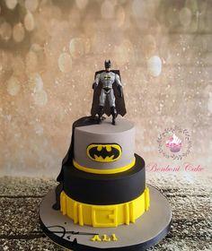 Batman - cake by Bonboni Cake Batman Birthday Cakes, Batman Cakes, Batman Batman, Batman Logo, 5th Birthday, Batman Party Decorations, Superhero Cake, Cake Decorating Tips, Celebration Cakes