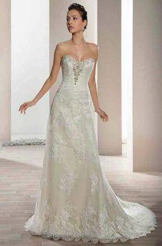 Robes de mariée Demetrios 2017