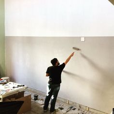 Ricardo Junqueira e seus dotes de pintura. O estudio novo da Claytrix tá ficando show!