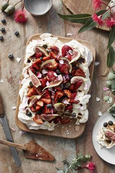 Balsamic berry and fig pavlova