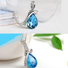 Pendentif pour femmes Mode Style 'Goutte d'eau ' en Cristal bleu et Alliage de zinc.
