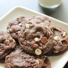 Triple Chocolate Cake Mix Cookies that are delicious! My kids love these! Click… - New Recipe Chocolate Cake Mix Cookies, Chocolate Flavors, Cake Cookies, Chocolate Chips, White Chocolate, Lemon Cookies, Sandwich Cookies, Easy Cookie Recipes, Cake Recipes