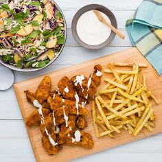 Shake and Coat Chicken Tenders with Chips and Summer Slaw Summer Slaw, Spinach Stuffed Chicken, Baby Spinach, Chicken Tenders, Potato Chips, Fruits And Veggies, I Foods, Food Inspiration, Shake