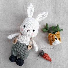 Crochet Animal Patterns, Crochet Doll Pattern, Stuffed Animal Patterns, Crochet Dolls, Doll Patterns, Easter Crochet, Cute Crochet, Crochet Mignon, Crochet Rabbit