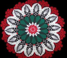 This Pin was discovered by Son Holiday Crochet Patterns, Bead Crochet Patterns, Doily Patterns, Puff Stitch Crochet, Knit Crochet, Crochet Books, Crochet Doilies, Green Tablecloth, Crochet Projects
