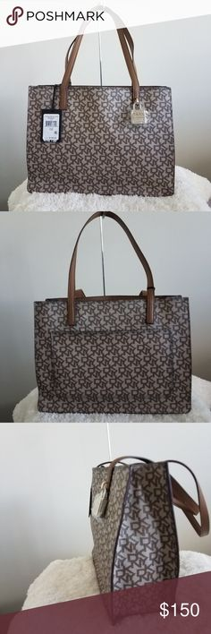 7243dbc4fb88f2 NWT  DKNY Commuter Tote DKNY med sized Commuter Tote is a classic look with  all