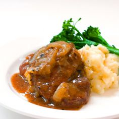 Red Shallot Kitchen: Onion-Simmered Shanks and Celery Root Puree Celery Root Puree, Amazing Food Photography, Beef Dishes, Winter Food, Beef Recipes, Entrees, Onion, Healthy Eating, Cooking
