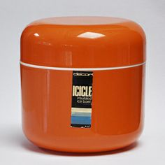 The Decor Icicle insulated ice bowl designed by Tony Wolfenden. This ice bucket is one of the first products designed by Tony for The Decor Icicle insulated ice bowl designed by Tony Wolfenden. This ice bucket is one of the first products designed by Tony for DÉCOR