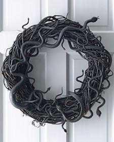 10 Days of Thrifty Halloween Fun Ideas (Day #2) Creepy Snake Wreath - Happy Money Saver | Homemade | Freezer Meals | Homesteading