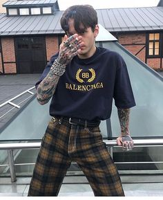 men's street style outfits for cool guys Grunge Outfits, Grunge Fashion, Boy Outfits, Cute Outfits, Fashion Outfits, Mens Fashion, Fashion Trends, Style Fashion, Plaid Outfits