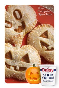 Fall Snacks, Halloween Food For Party, Fall Desserts, Halloween Treats, Dessert Recipes, Pumpkin Tarts, Pumpkin Puree, Pumpkin Spice, Pumpkin Recipes