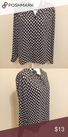 Banana republic medium blouse ❤️❤️ Beautiful lightweight polka dot with a twist maybe an animal print. Size medium 20.5 across at bust and about 25.5 long. Non smoking home no holes or stains. Banana Republic Tops Button Down Shirts
