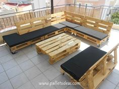 Beautiful Pallets Sofa Set With Table | Pallet Ideas (shared via SlingPic)