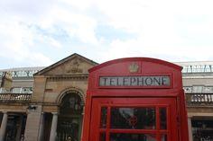 Covent Garden tem pequenas e grandes lojas, bons restaurantes e muita gente!!!