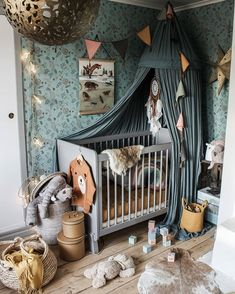 Head over heels! 💖 Every time I look at this gorgeous nursery I find another thing to love.