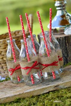 Woodland Birthday Party drinks with burlap and polka dot straws! See more party… Birthday Party Drinks, Picnic Birthday, 2nd Birthday, Picnic Theme, Picnic Parties, Picnic Party Decorations, Birthday Ideas, Outdoor Parties, Hippie Party
